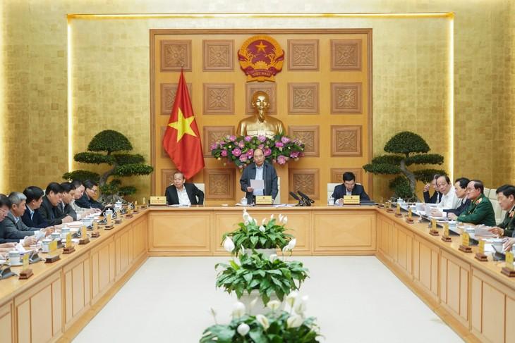 Premier vietnamita exhorta a cumplir con seriedad medidas de cuarentena contra el Covid-19 - ảnh 1