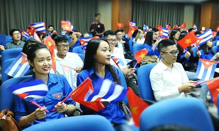 Vietnam y Cuba afianzan cooperación juvenil de cara al aniversario de sus relaciones - ảnh 1