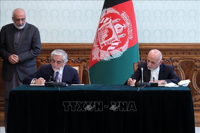 OTAN y Estados Unidos acogen con beneplácito el acuerdo de poder compartido en Afganistán - ảnh 1