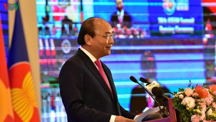 Emiten Declaración de la Visión de la Asean cohesiva y adaptativa - ảnh 1