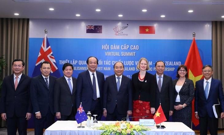 Vietnam y Nueva Zelanda emiten Declaración Conjunta sobre establecimiento de Asociación Estratégica  - ảnh 1