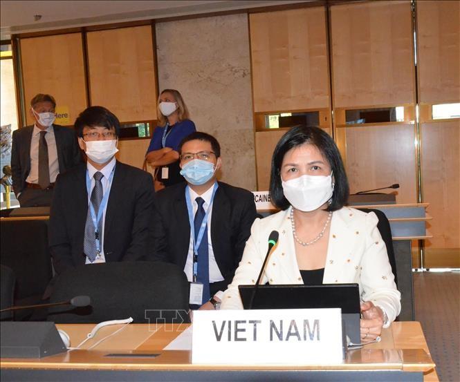 Vietnam comprometido a defender y promover los derechos humanos pese a los impactos del covid-19 - ảnh 1