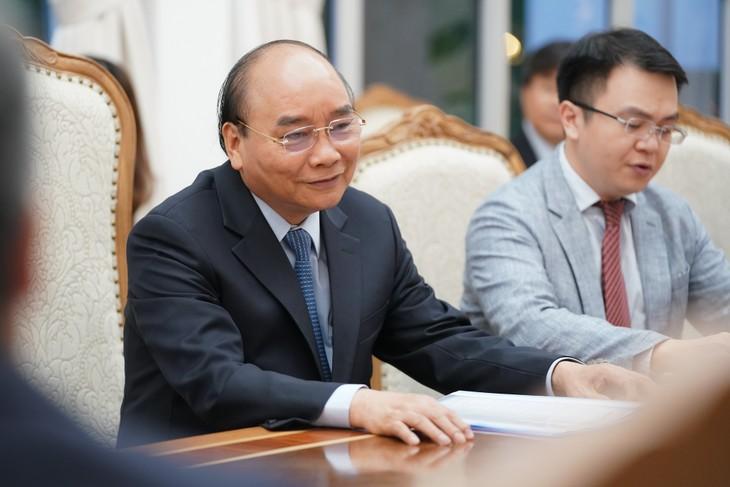Reciben primer ministro vietnamita a embajadores de Países Bajos y Bélgica, e inversores europeos - ảnh 1