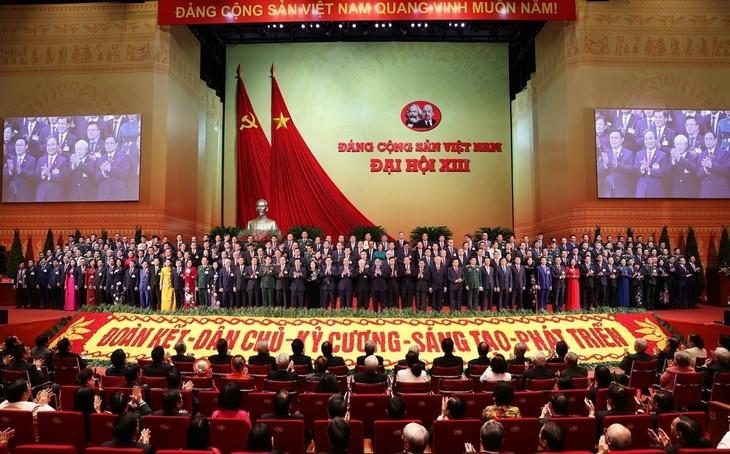 Ciudadanos satisfechos por el éxito del XIII Congreso del Partido Comunista de Vietnam - ảnh 1