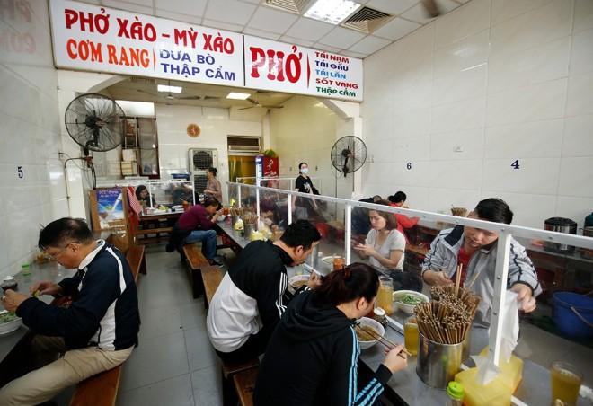 Hanói y Quang Ninh alivian las restricciones - ảnh 1