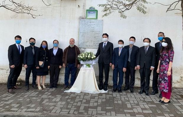 Rinden homenaje póstumo a periodistas argelinos caídos en Vietnam - ảnh 1
