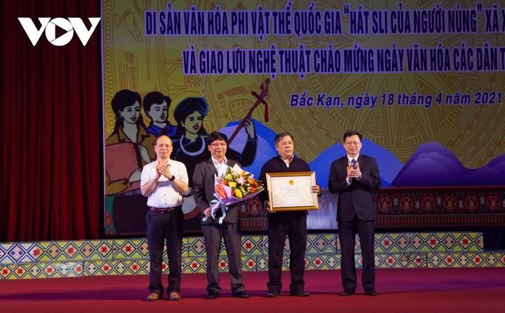 Reconocido canto sli de los Nung en Bac Kan como Patrimonio Inmaterial Nacional - ảnh 1