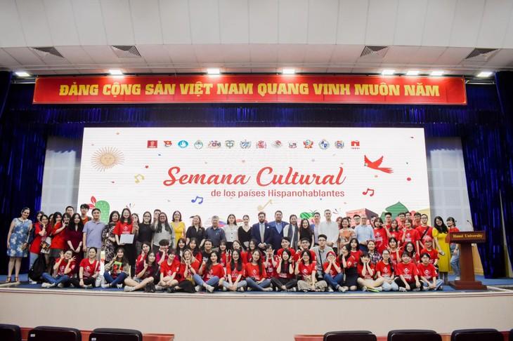 Concluye la Semana Cultural de los Países Hispanohablantes - ảnh 2