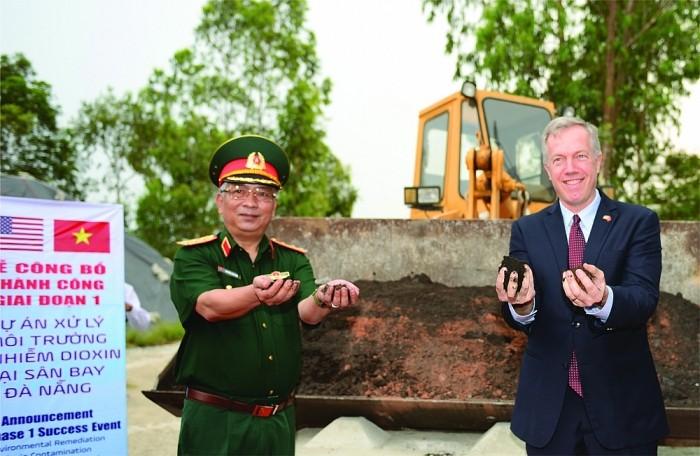 Superar las consecuencias de la guerra, un sector de cooperación importante en las relaciones Vietnam-Estados Unidos - ảnh 1