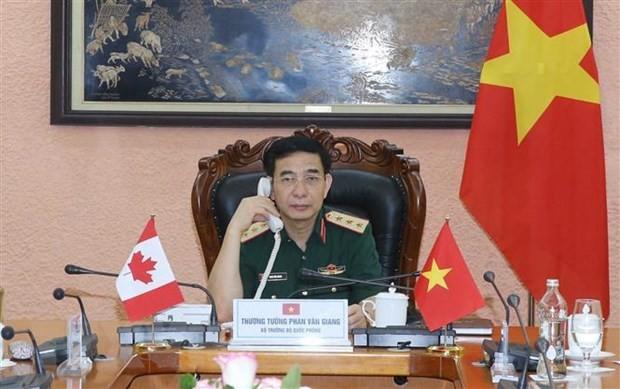 Vietnam y Canadá abogan por hacer más sustancial la cooperación en defensa - ảnh 1