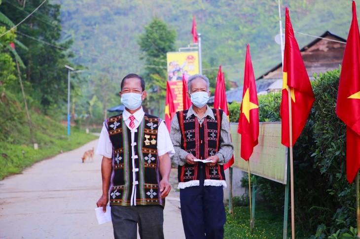 Localidades de Quang Nam y Truong Sa efectúan votación anticipada - ảnh 1