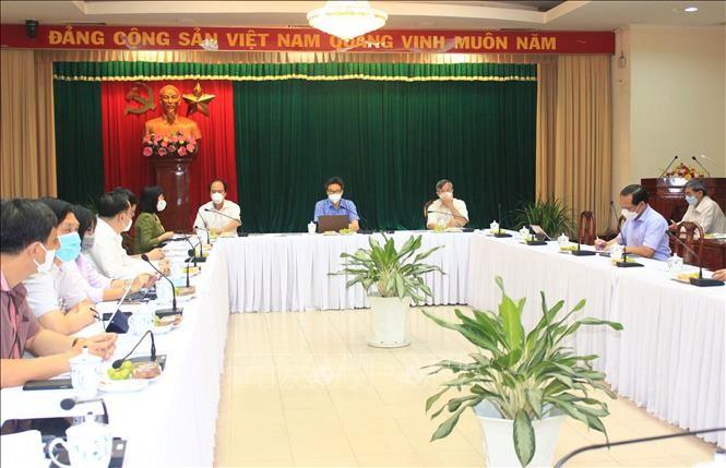 Vicepremier urge a Dong Nai a cumplir con seriedad las medidas preventivas del covid-19 - ảnh 1