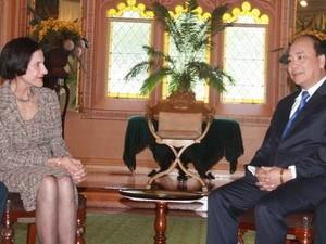 ท่าน NguyenXuanPhuc รองนายกรัฐมนตรีเวียดนามเข้าพบผู้สำเร็จราชการแห่งออสเตรเลีย - ảnh 1