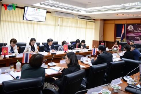วีโอวีผลักดันความร่วมมือกับกรมประชาสัมพันธ์ของไทย - ảnh 1