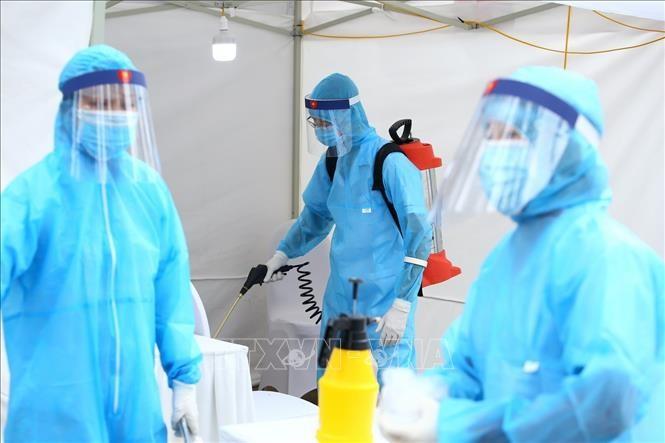 กระทรวงสาธารณสุขประกาศพบผู้ติดเชื้อโรคโควิด-19 เพิ่มอีก 11 ราย - ảnh 1