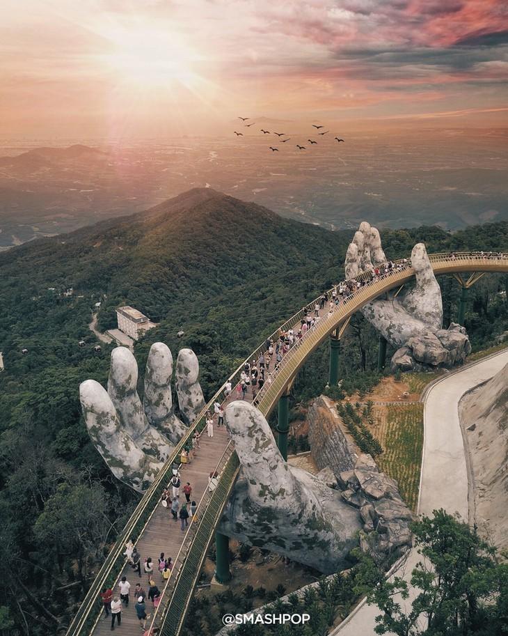 Cau Vang หรือสะพานทองที่ Ba Na Hills นครดานัง ติดรายชื่อสะพานที่สวยที่สุดในโลก - ảnh 1
