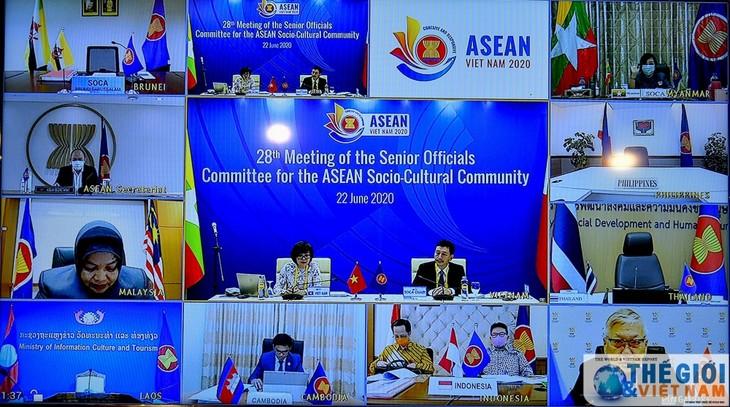 การประชุมเจ้าหน้าที่อาวุโสเกี่ยกับประชาคมวัฒนธรรม-สังคมอาเซียนครั้งที่ 28 เน้นถึงเนื้อหาที่ให้ความสนใจเป็นอันดับต้นๆ 5 ประเด็นในปีประธานอาเซียน 2020 - ảnh 1