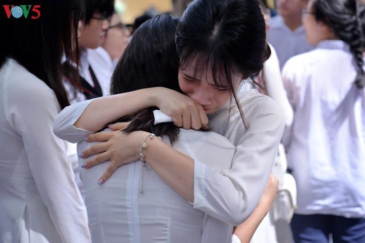 เสี้ยวนาทีปิดเทอม อำลาเพื่อนๆของนักเรียนมัธยมศึกษาตอนปลาย ม.6 - ảnh 5