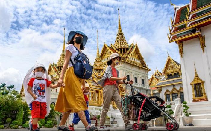 ชาวต่างชาติที่วีซ่าหมดอายุ มีเวลา 2 เดือนเพื่อเดินทางออกกจากประเทศไทย - ảnh 1
