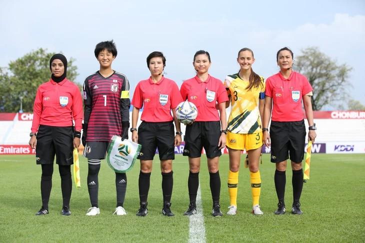 ผู้ตัดสินฟุตบอลหญิงเวียดนาม 2 คนมีโอกาสได้ทำหน้าที่ในการการแข่งขันฟุตบอลหญิงชิงแชมป์โลกปี 2023 รอบชิงชนะเลิศ - ảnh 1