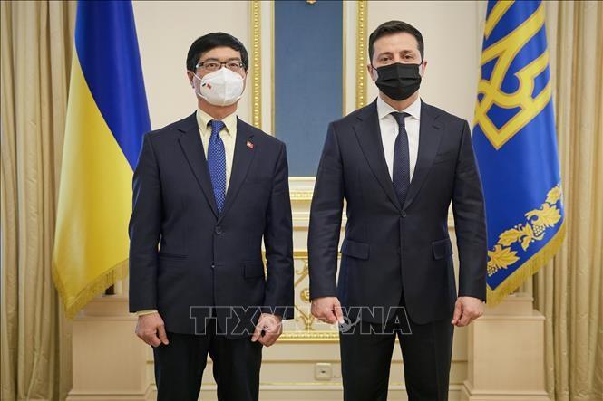 ประธานาธิบดียูเครนประทับใจต่อความสำเร็จของเวียดนาม - ảnh 1