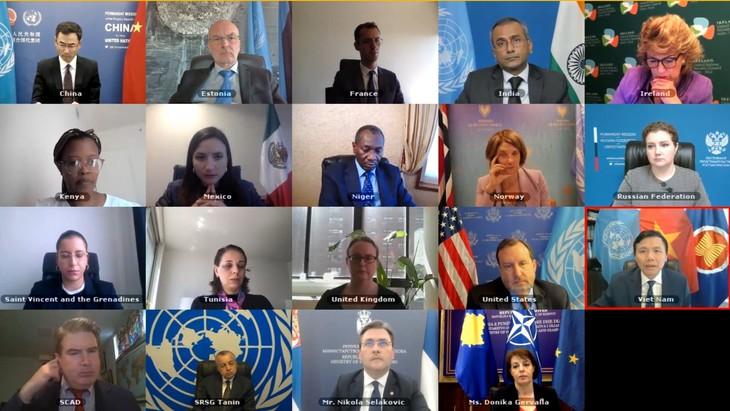 คณะมนตรีความมั่นคงแห่งสหประชาชาติหารือเกี่ยวกับสถานการณ์ในโคโซโว - ảnh 1