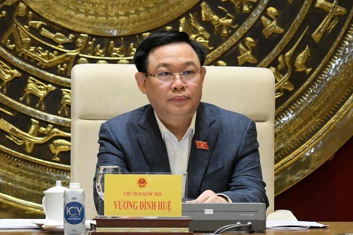 ประธานสภาแห่งชาติ เวืองดิ่งเหวะ ประชุมกับคณะกรรมาธิการด้านวิทยาศาสตร์ เทคโนโลยีและสิ่งแวดล้อม - ảnh 1
