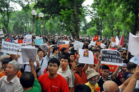 Teaching people how to respond to China's violation of international law - ảnh 1