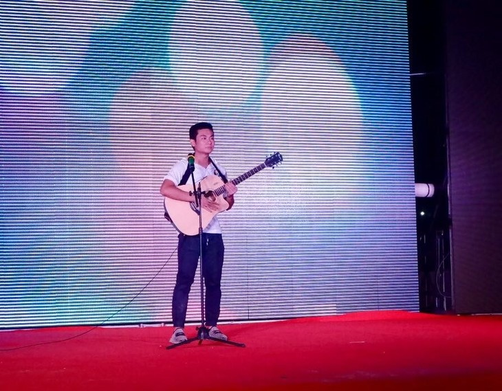 Young Vietnamese expats enjoy exchange program with Quang Ngai' s youth - ảnh 3