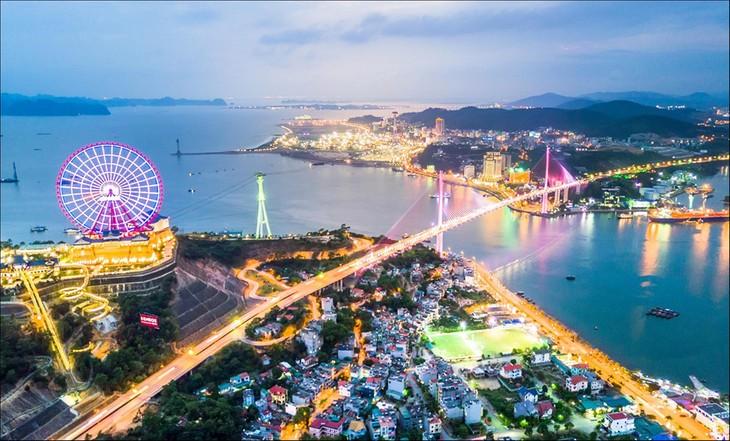 Ha Long – a new city rises next to a world heritage - ảnh 2