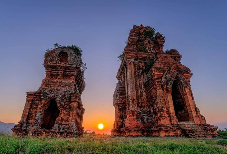Cham towers in Binh Dinh province - ảnh 1
