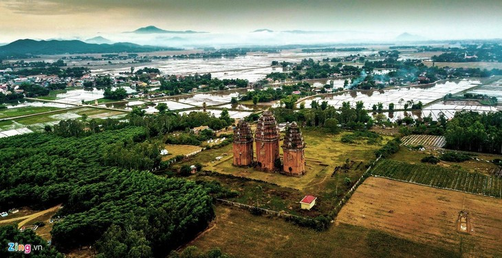Cham towers in Binh Dinh province - ảnh 2
