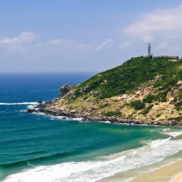 The pristine coastal beauty of Phu Yen province - ảnh 3