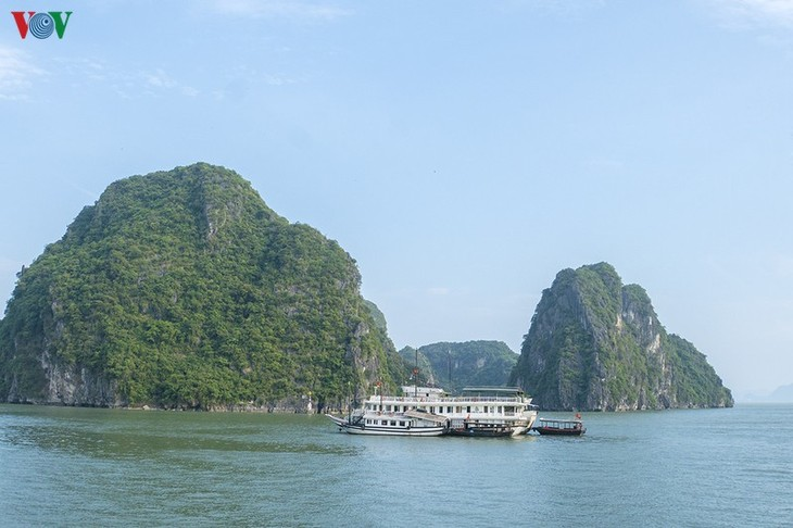 Weekend gala night raises curtain on Quang Ninh's tourism promotion drive - ảnh 1
