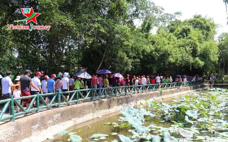 Visits to Kim Lien relic site recall President Ho Chi Minh - ảnh 2