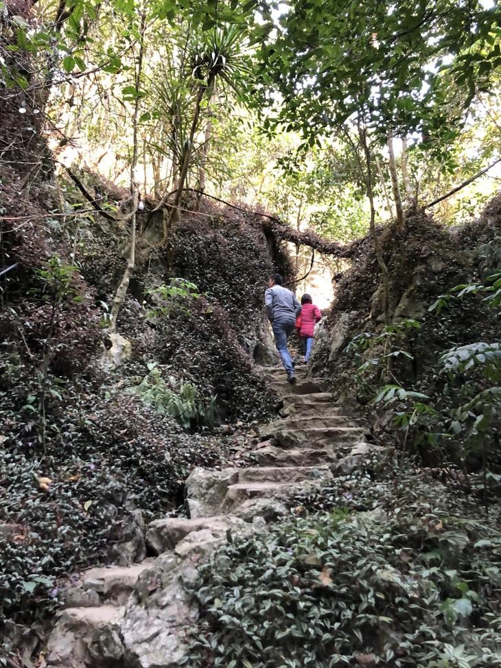 Hang Hu in Lang Son, an attraction of northeastern Vietnam - ảnh 2