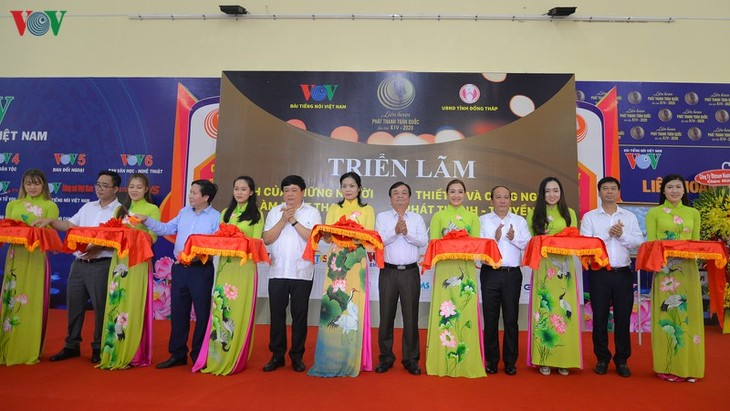 Radio and TV Technology Show opens - ảnh 1