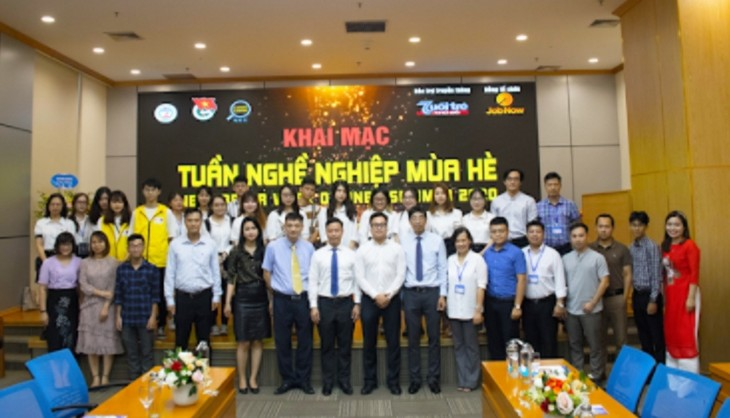 Career week increases student's access to job opportunities - ảnh 2