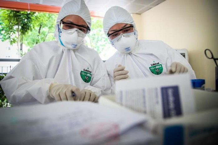 COVID-19: No new cases reported in Vietnam, spread slows in the world's most regions - ảnh 1