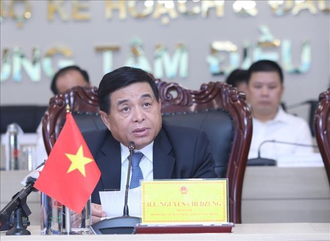 Forum highlights Vietnam as rising star in FDI attraction - ảnh 1