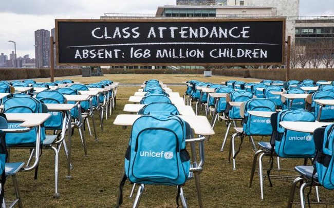 UN opens Pandemic Classroom exhibition to call for ending school closure - ảnh 1