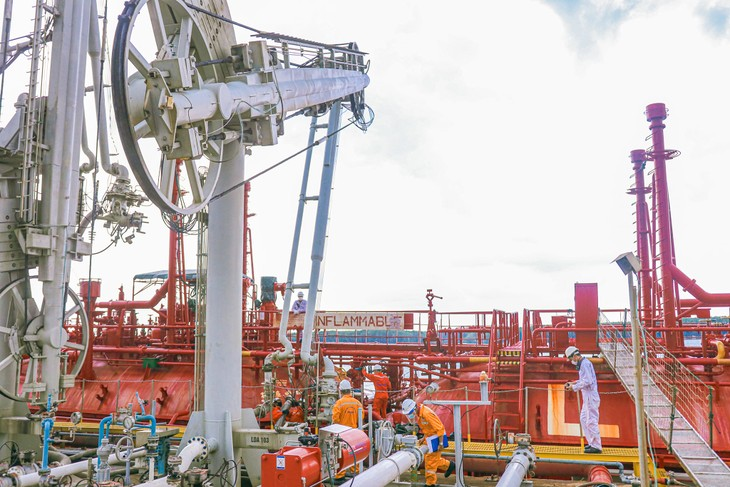 Petrovietnam exceeds production, business targets in 5 months of 2021 - ảnh 2