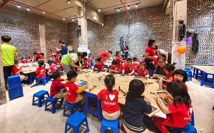Abandoned printing factory transformed into creative hub - ảnh 2