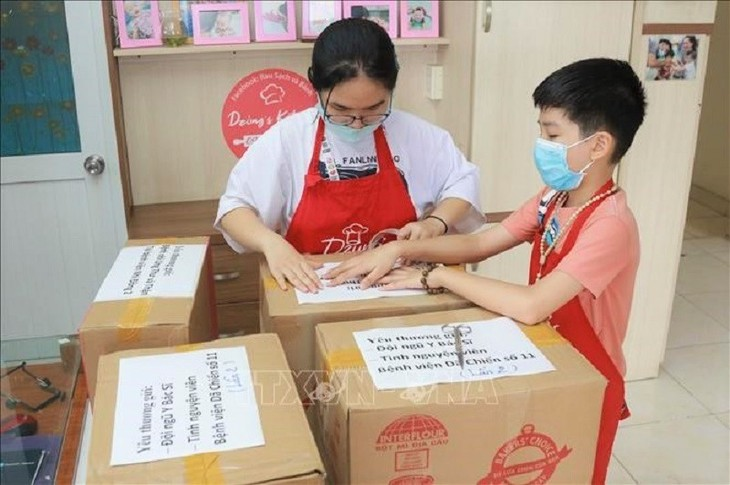A Mid-Autumn Festival of love and sharing during the COVID-19 pandemic - ảnh 18