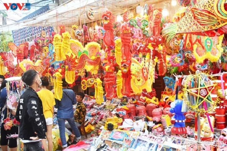 A Mid-Autumn Festival of love and sharing during the COVID-19 pandemic - ảnh 1