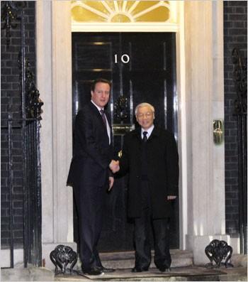 KPV-Generalsekretär Trong trifft britischen Premierminister David Cameron - ảnh 1