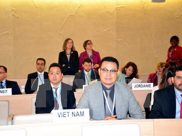 Vietnam verstärkt die Zusammenarbeit in Gewährleistung der Menschenrechte beim Terroristenkampf - ảnh 1