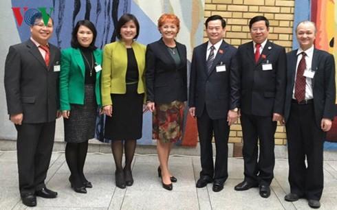 Delegation des Rechtsausschusses des vietnamesischen Parlaments besucht Norwegen - ảnh 1