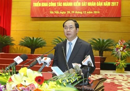 Staatspräsident Tran Dai Quang nimmt an Konferenz der Staatsanwaltschaft - ảnh 1