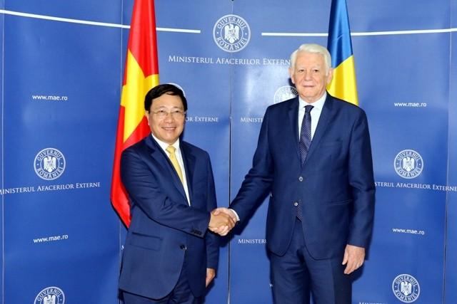 Vizepremierminister und Außenminister Pham Binh Minh besucht Rumänien - ảnh 1
